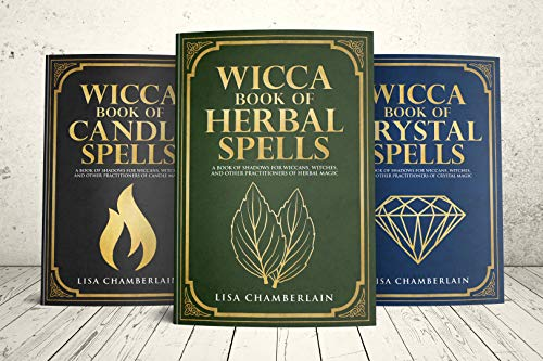 Wicca Spell Starter Kit A of Candle Crystal and Herbal Spells Wicca Starter Kit Series Chamberlain Lisa Religion Spirituality
